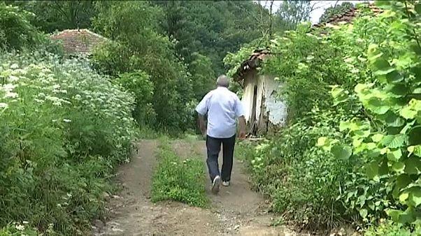"""شاهد: مدينة في صربيا تتحول إلى """"مدينة أشباح """" بعد أن هجرها آخرُ سكّانها"""