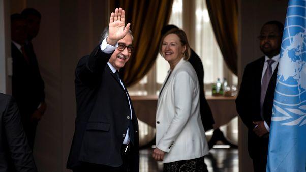 Συνάντηση Ακιντζί-Σπέχαρ εν όψει της έκθεσης του ΟΗΕ