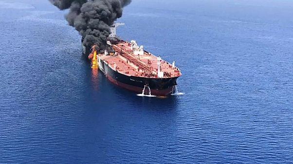 Tankschiffe in Flammen: Rätselhafte Vorfälle im Golf von Oman