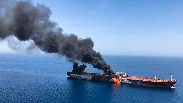 Pentagon: İran'ı Umman Körfezi'nde saldırıya uğrayan gemiden mayın sökerken görüntüledik