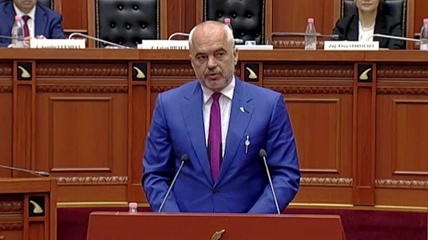 """Парламент Албании назвал решение президента об отмене муниципальных выборов """"неконституционным"""""""