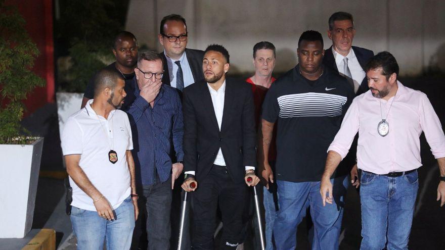 Nach Vergewaltigungsvorwürfen: Star-Fußballer Neymar sagt aus