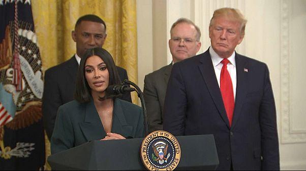 شاهد: كيم كاردشيان تطلق مشروعها الجديد من البيت الأبيض