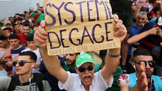 El encarcelamiento de exdirigentes no calma la ira de los argelinos