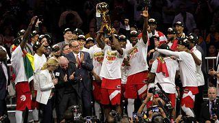 NBA'de Golden State Warriors'ı 114-110 yenen Toronto Raptors ilk kez şampiyon oldu
