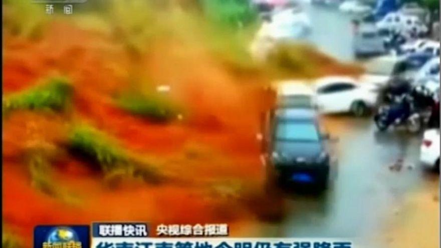 Spectaculaire glissement de terrain en Chine