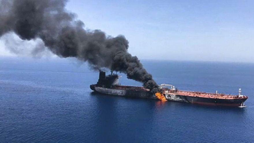 Brennende Frachter: USA gegen Iran