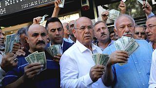 Bloomberg muhabirlerine 'ekonomiye zarar verme' suçlamasıyla hapis istemi