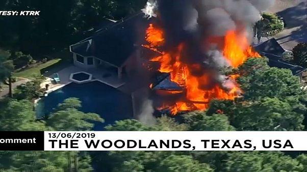 Gigantischer Villenbrand in Texas