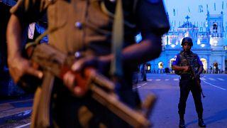 أفراد من الأمن أمام ضريح القديس أنتوني، بعد أيام من سلسلة من الهجمات الانتحارية، سريلانكا أرشيف رويترز