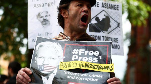 من مظاهرة الاحتجاج على قضية ترحيل أسانج إلى الولايات المتحدة، لندن