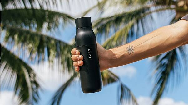 Self-cleaning reusable water bottle hits Europe