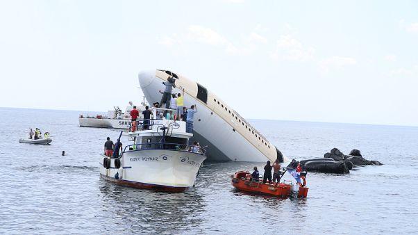 Video   Edirne'de dalış turizmi için Airbus A330 uçağı denize batırıldı