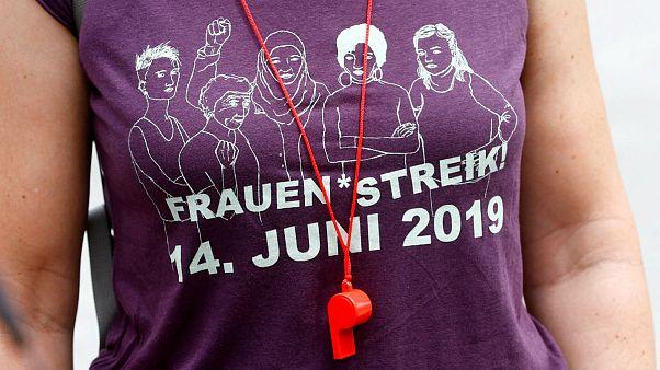 زنان جنبش ارغوانی سوئیس