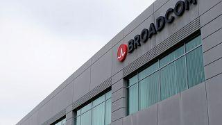 Broadcom: Πλήγμα 2 δις δολαρίων ελέω Τραμπ