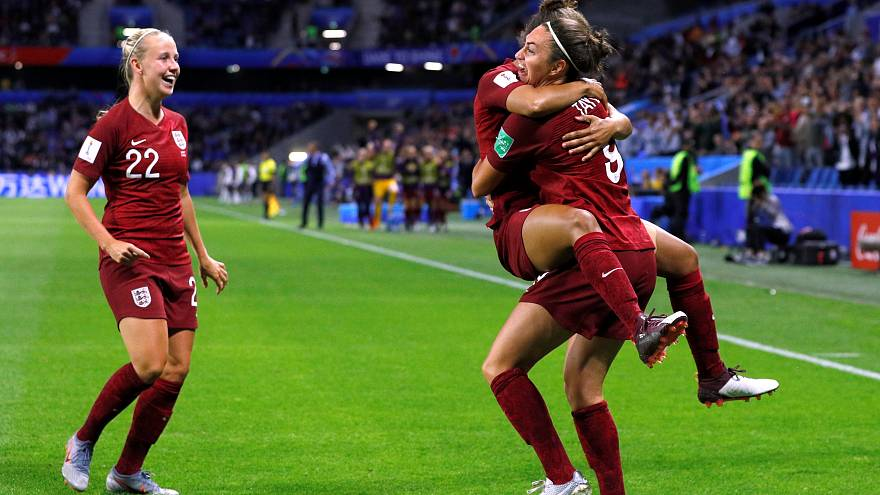 England progress to last 16 after laboured 1-0 victory over Argentina