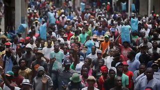 Гаити охватили массовые беспорядки