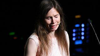 Amanda Knox emociona-se ao recordar o crime de 01 de novembro de 2007