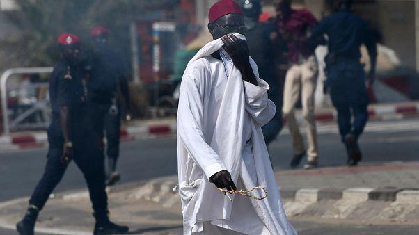 صفقة غاز تفجر غضبا شعبيا ضد شقيق الرئيس السنغالي وتتسبب في اعتقالات واحتجاجات عارمة