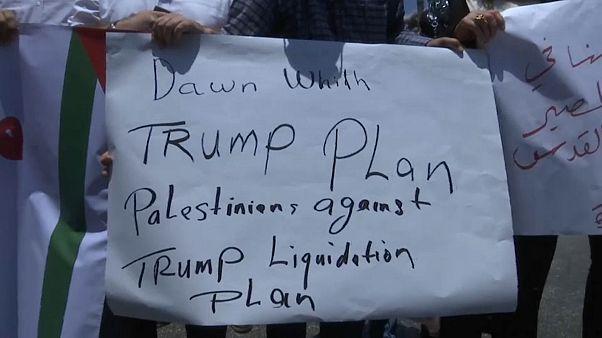 تظاهرة في رام الله رفضا لمؤتمر المنامة ... ودعوات للدول العربية لرفض المشاركة