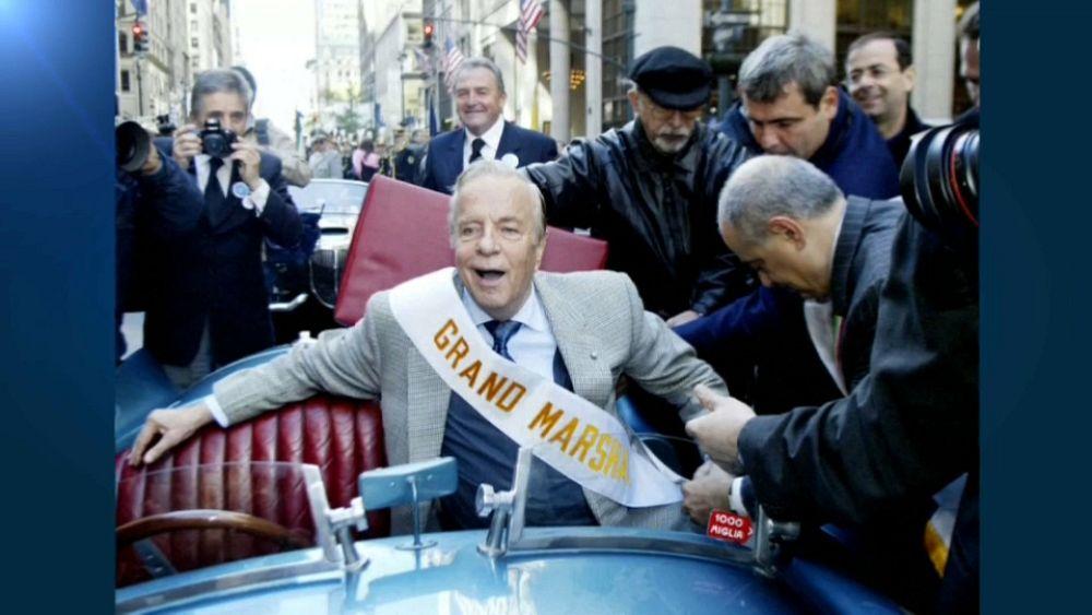 وفاة مخرج السينما والأوبرا الإيطالي فرانكو زيفريللي عن عمر ناهز 96 عاما   Euronews