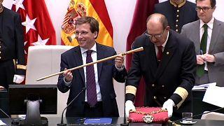 Madrid svolta a destra, Colau confermata a Barcellona