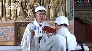 A Notre Dame messa tra le macerie, ma le donazioni non arrivano