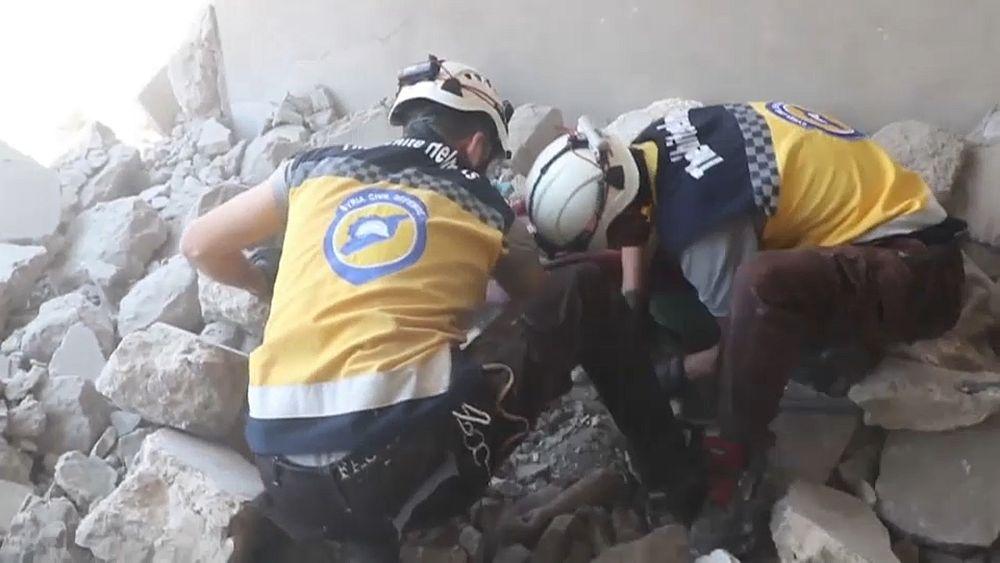 عشرات القتلى بتواصل الاشتباكات والقصف شمال غرب سوريا   Euronews