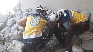 عشرات القتلى بتواصل الاشتباكات والقصف شمال غرب سوريا