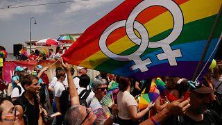 Avrupa'nın en büyük LGBTİ festivali EuroPride kapsamında Viyana'da Onur Yürüyüşü yapıldı