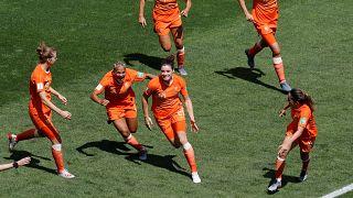 Kadınlar Dünya Kupası: E grubu'nda Hollanda ve Kanada bir üst turu garantiledi