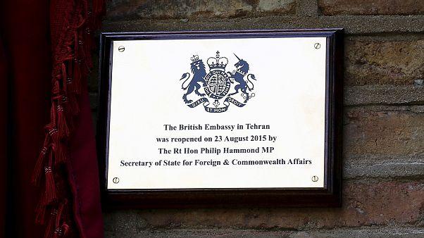 سفیر بریتانیا احضار به وزارت خارجه ایران را تکذیب کرد: جلسه به درخواست خودم بود