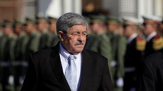 رئيس الوزراء الجزائري السابق أويحيى يمثل أمام المحكمة في قضية فساد