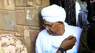 Sudan: l'ex presidente Omar al Bashir in tribunale