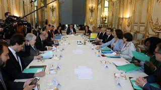 فرنسا تخطط لإلغاء إعفاءات ضريبية للشركات بقيمة مليار يورو
