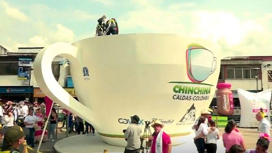 بزرگترین فنجان قهوه جهان با ظرفیت ۲۰ تُن در کلمبیا ساخته شد