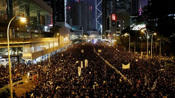 Hongkong történetének legnagyobb tüntetésén követelték a kiadatási törvény visszavonását