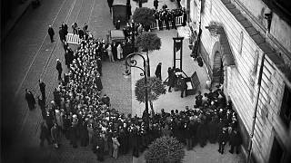Francia: 80 anni fa l'ultimo ghigliottinato in pubblico
