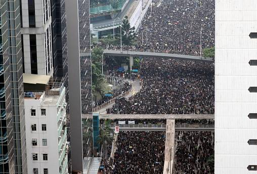 Hong Kong protesters chant 'Do you hear the people sing?'
