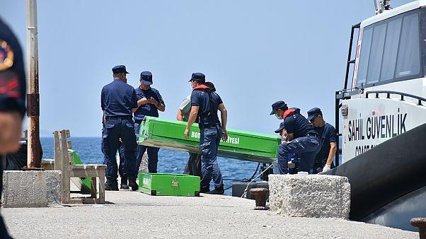 Bodrum açıklarında göçmen teknesi battı: 12 kişinin cesedine ulaşıldı