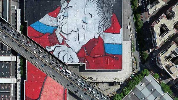باريس تدشن أكبر جدارية في أوروبا .. ومع ذلك غالباً لن تستطيع رؤيتها!