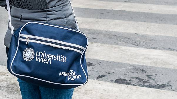 Araştırma: Avrupa'da çocuklarını üniversiteye gönderen en fakir ve eğitimsiz aileler Türkler
