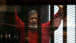 Muere tras seis años de cárcel el antiguo presidente de Egipto Morsi