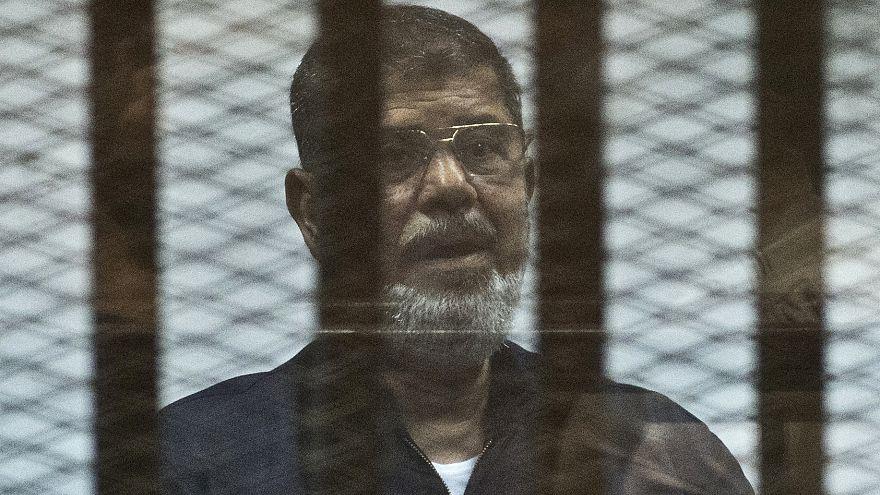 محمد مُرسی، رئیس جمهوری سابق مصر در جلسه دادگاه درگذشت