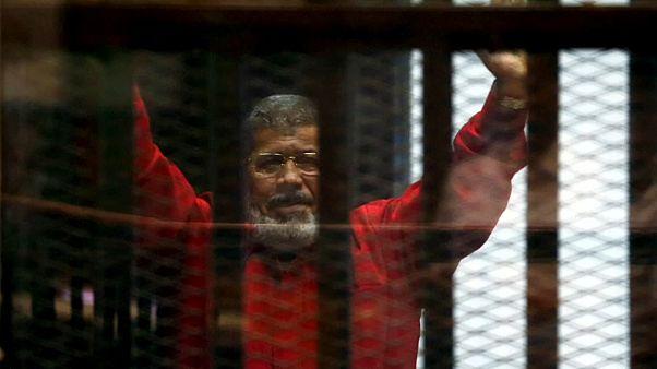 Σε συνθήκες εγκλεισμού απεβίωσε ο Μόρσι
