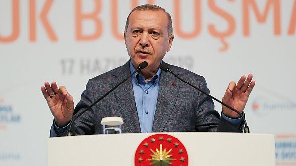"""Türkiye Cumhurbaşkanı Recep Tayyip Erdoğan, Haliç Kongre Merkezi'nde düzenlenen """"94 Ruhuyla Cihannüma ve Kadim Dostlar Büyük Buluşması'na katıldı"""