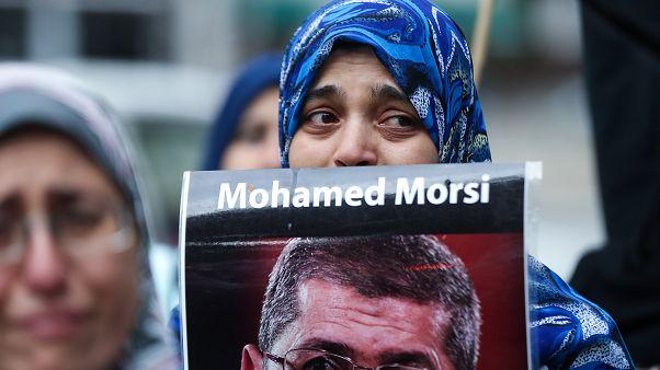 Mahkeme salonunda hayatını kaybeden Muhammed Mursi'nin ölümüne dünyadan tepkiler