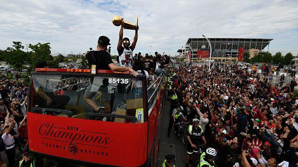 NBA: Πυροβολισμοί στην παρέλαση των Ράπτορς