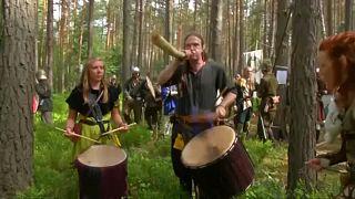 Çekya'da yüzlerce Hobbit hayranı 2 gün boyunca 'hazine savaşı'nda çarpıştı