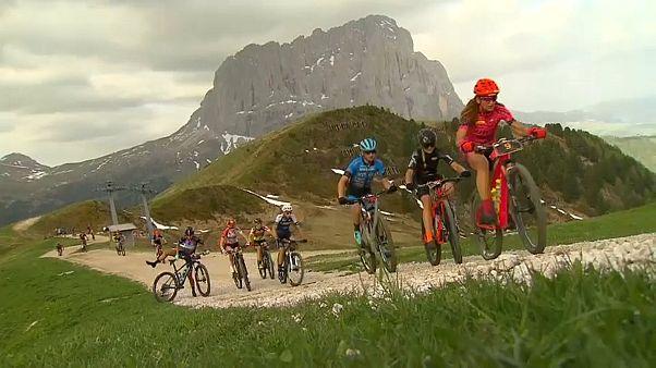 4500 métert kellett megmászni a világ legnehezebb hegyikerékpár-versenyén